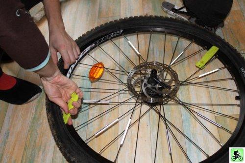 et si on bougeait en vtt entretien roues et pneus. Black Bedroom Furniture Sets. Home Design Ideas